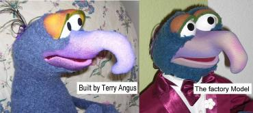 Gonzo poser puppet comparison of Terry's and Master Replicas version
